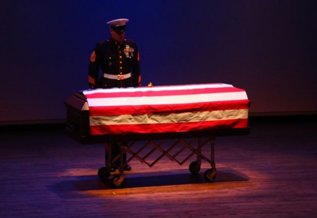 Memorial-held-for-Seattle-marine-3305463