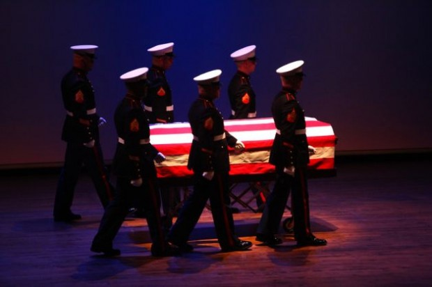 Memorial-held-for-Seattle-marine-3305463-7